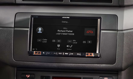 BMW 3 E46 - Built-in Bluetooth® Technology - iLX-702E46